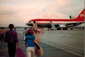 Het vliegtuig naar huis