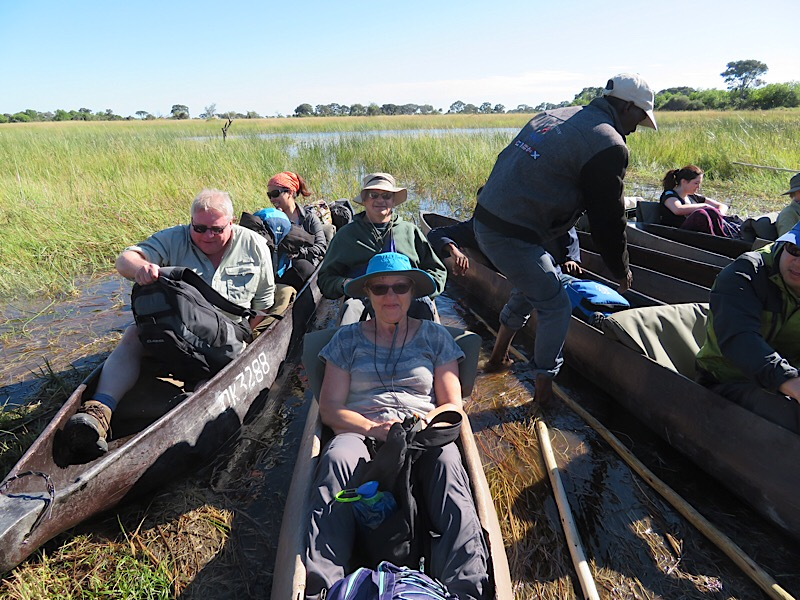Africa: Travel by Mokuro (canoe)