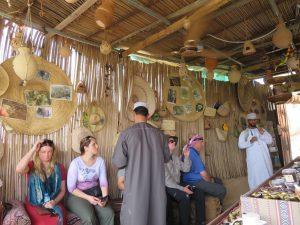 Koffie drinken in Al-Hamra, Oman